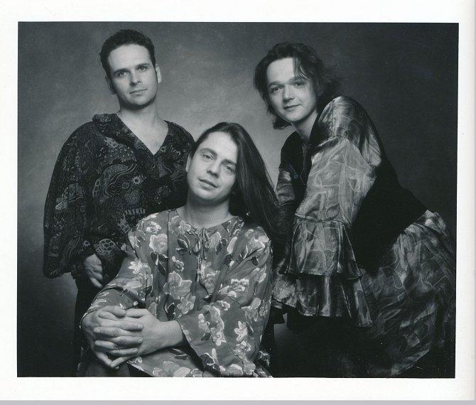 Začneme nejvíce retro fotkou, kde měl Petr Muk ještě dlouhé háro!