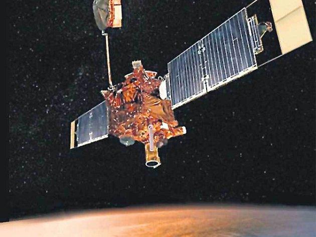 Sonda stihla za 10 let své mise poslat na Zem 240 000 snímků, přičemž jedny z posledních dokonce poprvé dokázaly, že na Marsu ještě nedávno tekla voda.