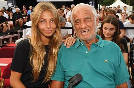 Stella Eva Angelina Belmondo a její otec Jean-Paul Belmondo.