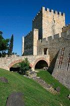 Hrad sv. Jiří je dominantou města.