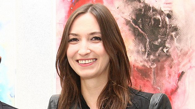 Lucie Gelemová navštívila výstavu obrazů.