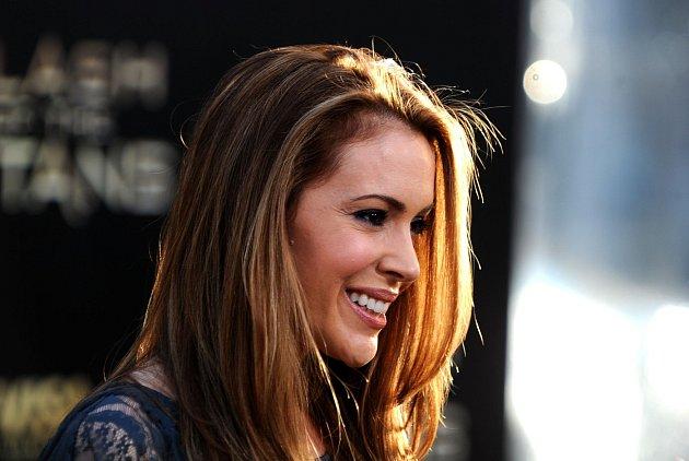 Alyssa Milano a její krásný úsměv.
