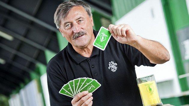 Fotbal, golf, tenis i karty. Antonín Panenka je hravý člověk.