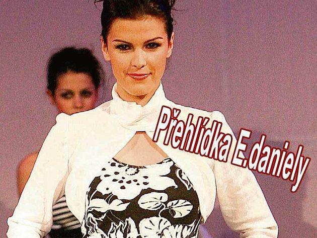 Hvězdou módní přehlídky byla misska Kateřina Smejkalová.