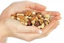 Zdravé mlsání, to jsou ořechy...
