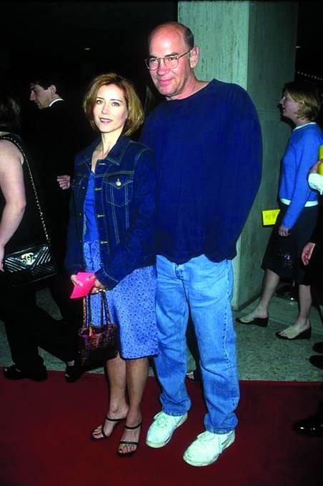 SArlene Warrenovou se seznámil při natáčení Akt X. Pracovala jako dublérka Gillian Andersonové.