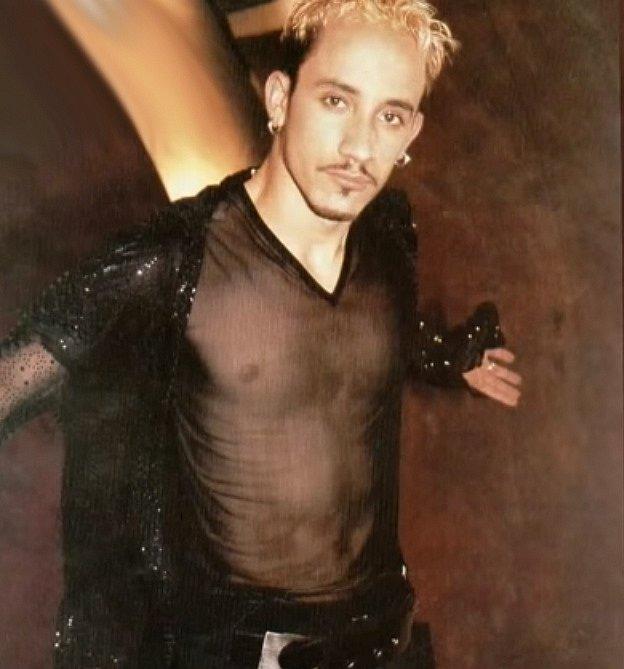 Jedním z prvních členů, který byl do kapely vybrán producentem Lou Pearlmanem byl Aj McLean. Když kapela začínala v roce 1993 bylo mu pouhých 15 let.