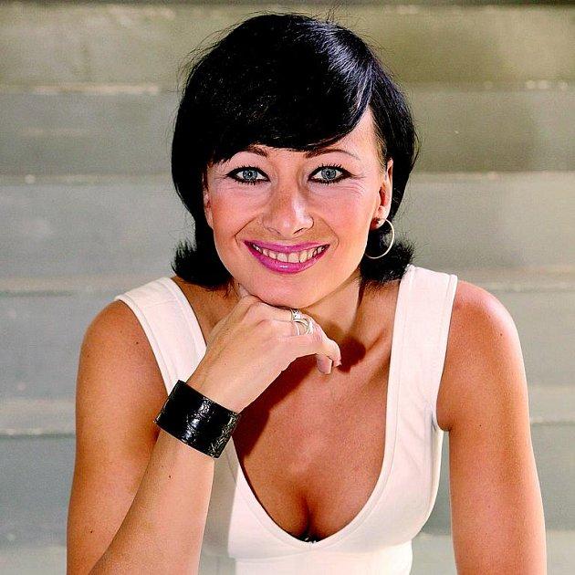 Daniela Šinkorová se chce vrátit zpátky do showbyznysu.
