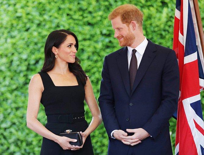 Vévodkyně Meghan a princ Harry přivítali v pátek 4. června na světě svou zdravou holčičku.