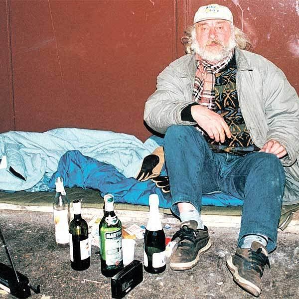 Bezdomovci už nebudou moct popíjet na všech místech.