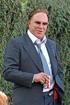 2012 - Tehdy byl Rourke napuchlý, ošklivý, ale aspoň část rysů mu ještě zbyla.