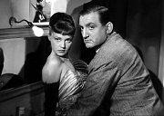 První role vgangsterce Nesahejte naprachy (1953). Nasnímku sJeanne Moreau.