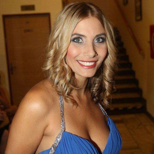 Eva Decastelo přiznala, že by si chtěla užít sex v kůži chlapa.