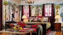 Versaceho ložnice v miamské vile dokonale vystihuje jeko styl.