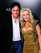 Přestože Robert s Cherie už řadu let nežijí, stále k sobě mají blízko. Snímek je z roku 2010.