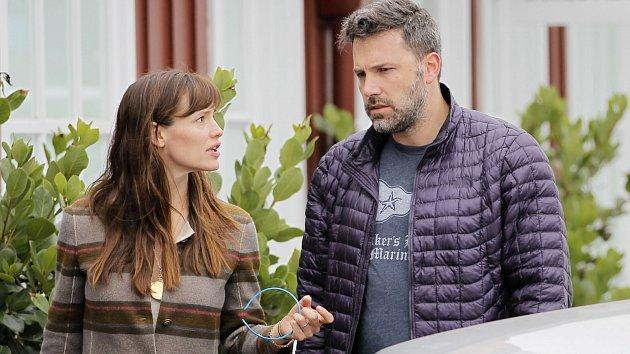 Ben Affleck má Jennifer Garnerové co vysvětlovat.