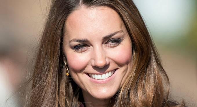 Kate Middleton sleduje celý svět.