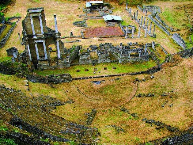 Volterra nabízí ipozůstatky římského amfiteátru a lázní.