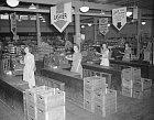 Takto vypadaly pokladní v roce 1945