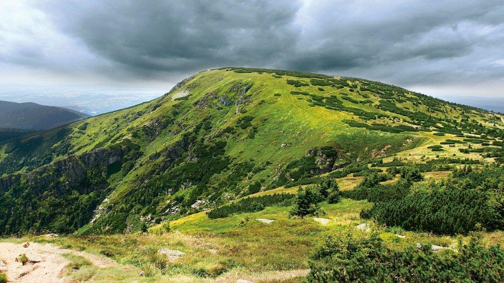 Navštívili jste už horu Kotel? Pokud ne, máte co napravovat. Výhledy jsou krásné...
