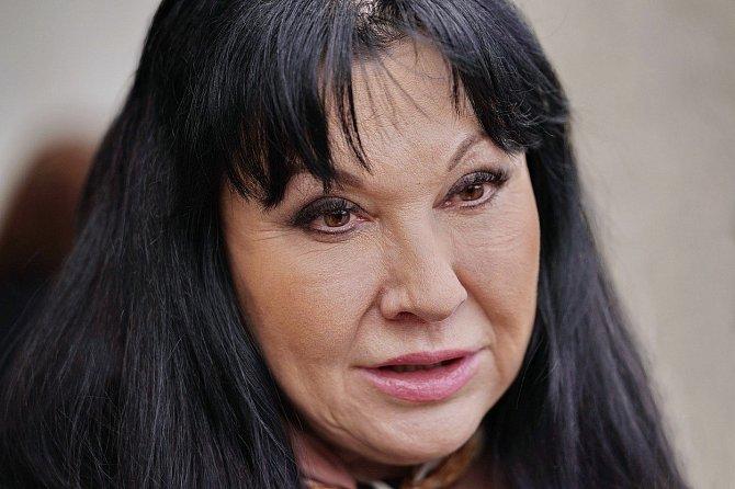 Dagmar Patrasová tvrdí, že se se svým manželem vídá každý den.