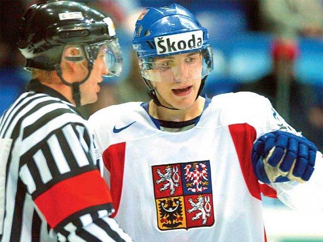 V utkání s Kanadou marně vysvětloval sudím, že puk byl opravdu v soupeřově bráně.