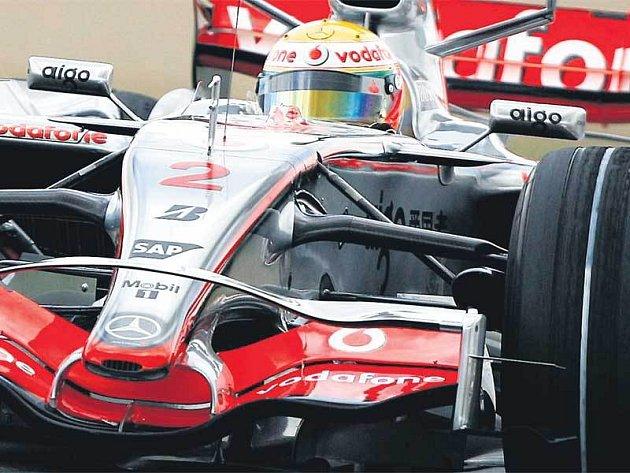 Hamilton měl při včerejším tréninku problémy s autem.
