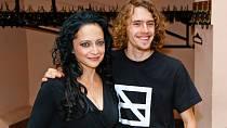 Syna Filipa má Lucie s Petrem Kratochvílem.