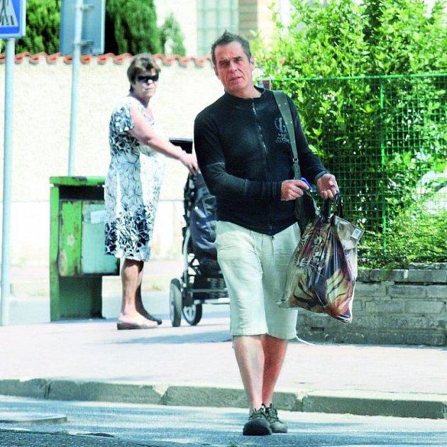 Vilma Cibulková se může smát. Miroslav Etzler se kaje za nevěru.