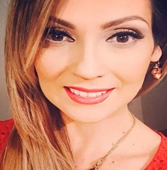 Nora Salinas je nejmladší hlavní postave seriálu. V době natáčení jí bylo pouhých 20 let. Stále aktivně hraje v telenovelách, kterých má na kontě okolo pětadvaceti. V Mexiku se stala velmi oblíbenou herečkou.
