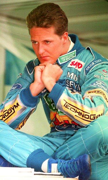 Osud Michaela Schumachera je stále ve hvězdách. Od katastrofického pádu na lyžích roku 2013, kdy jeho život visel na tom nejtenčím vlásku, uplynulo bezmála šest let.