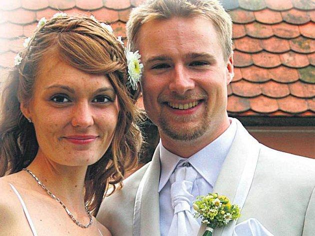 Novomanželé Emmonsovi se brali v Čechách, ale život si plánují v Americe.