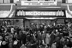 31. ledna 1990 byl v Moskvě otevřen první McDonald v SSSR