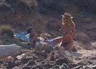 Heidi Klum pózuje polonahá svému příteli...