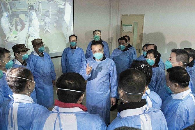 Ve věznici Koh Lakhpat je okolo tří tisíc vězňů a na toto množství lidí je pouze jeden lékař. Jakákoliv vážnější nemoc může znamenat pro zadržené velké problémy.