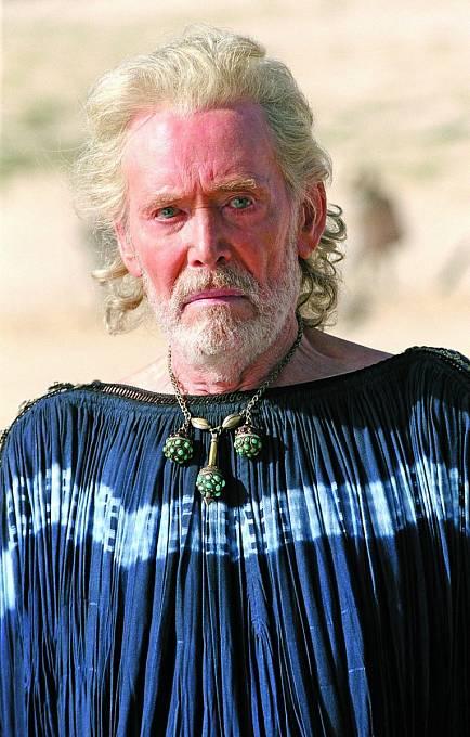 V hitu Troja (2004) si zahrál krále Priama.