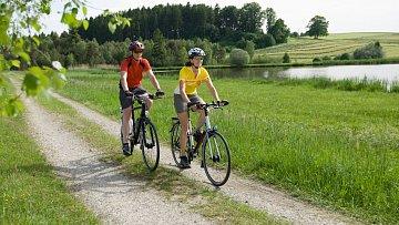 Vyjde-li počasí, může být putování na kole po Jizerkách příjemným zážitkem.