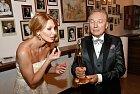 Se svou manželkou Ivanou, která mu je vtěžkých časech největší oporou.