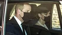 Kate se na pohřbu snažila o sblížení Williama a Harryho.