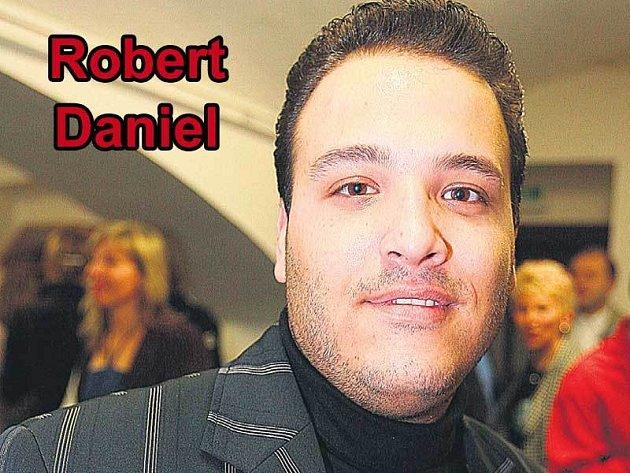 Když odcházel ze SuperStar, Robert Daniel asi nečekal, že o několik měsíců později bude dělat předskokana Karlu Gottovi.