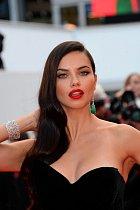 Adriana Lima perfektně reprezentuje jižanský typ ženy.