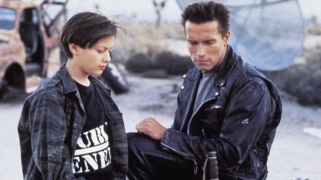 Arnie dostal za druhého Terminátora 15 milionů dolarů, Edward si přišel na 30 tisíc.