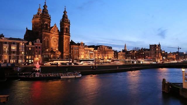 Amsterdam, Holandsko. Je potřeba něco psát?