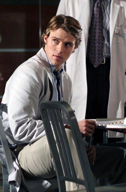 Charismatický hezoun dr. Robert Chase, kterého ztvárnil Jesse Spencer
