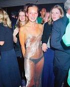 Kate Moss a její průhledné šaty, 1993.