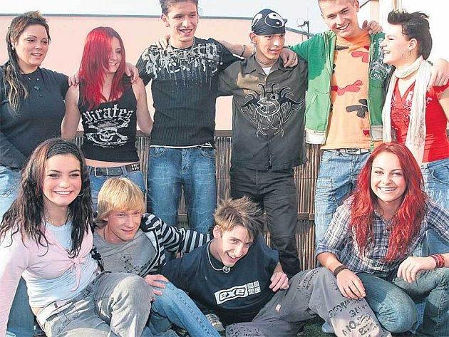 Desítka finalistů SuperStar v dobách své největší slávy. Zřejmě nikoho z nich nenapadlo, že po pár měsících o jejich zpěv nebude mít téměř nikdo zájem.