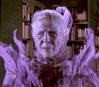 Duch knihovnice, který otravuje živé lidi. Děsí je a je potřeba ji odstranit z povrchu zemského.