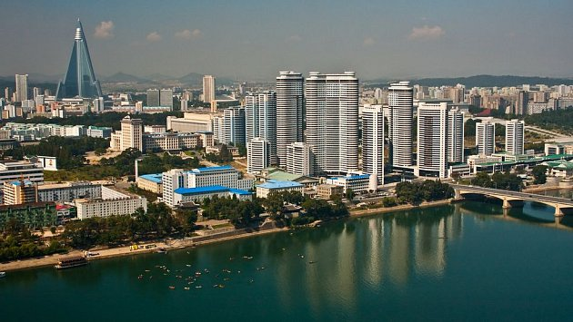 Pchjongjang na první pohled nepůsobí jako město, které byste chtěli navštívit.