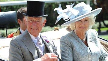 Camilla s Charlesem na letošních dostizích v Ascotu