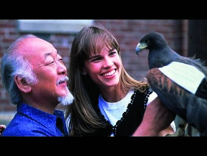 HiIlary Swankovou učil vesnímku Nový Karate Kid (1994).